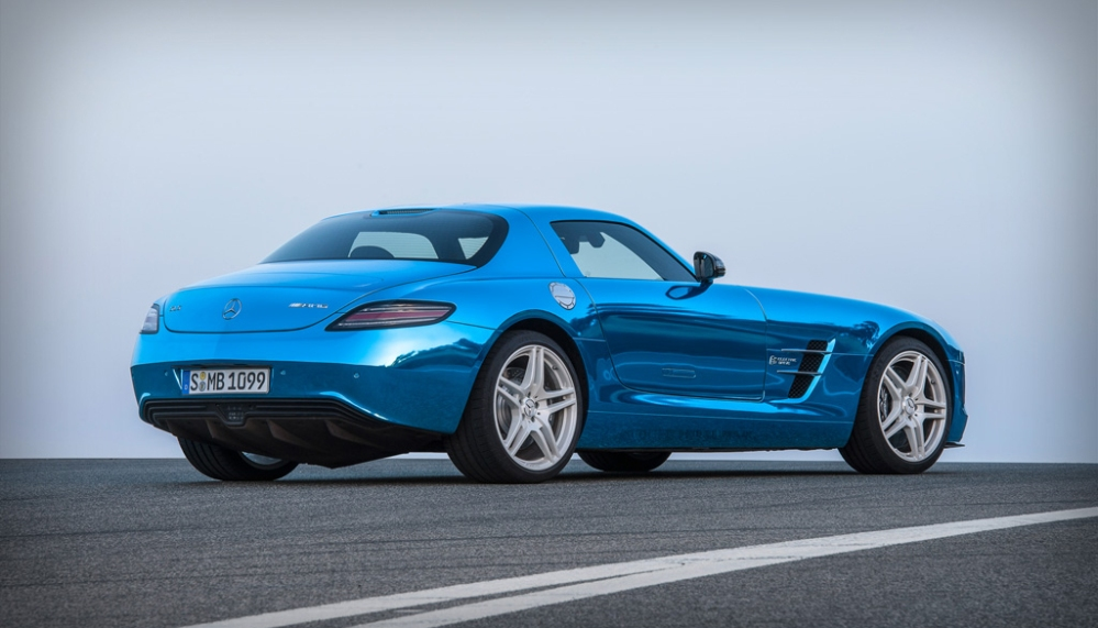 SLS AMG Electric Drive: high voltage gullwing  (2/3)