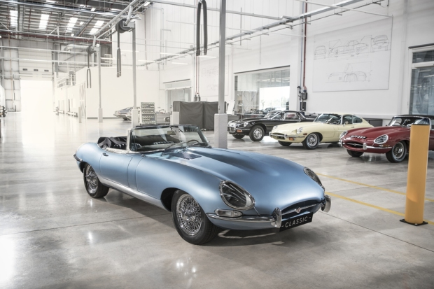 2017_jaguar_e-type_zero_ext