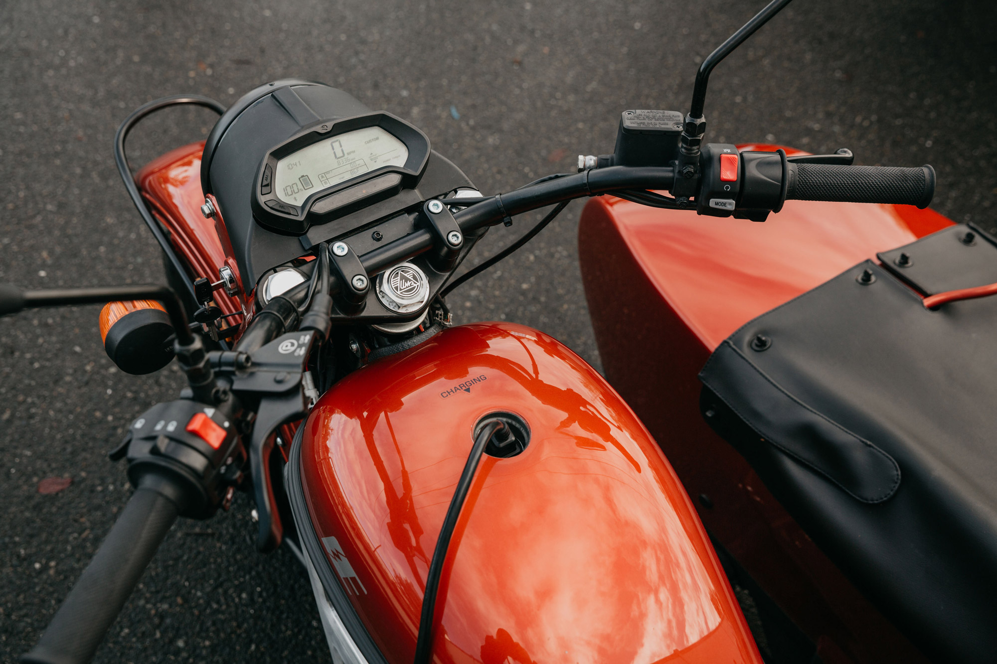 Ural-Electric-Lifestyle-plug