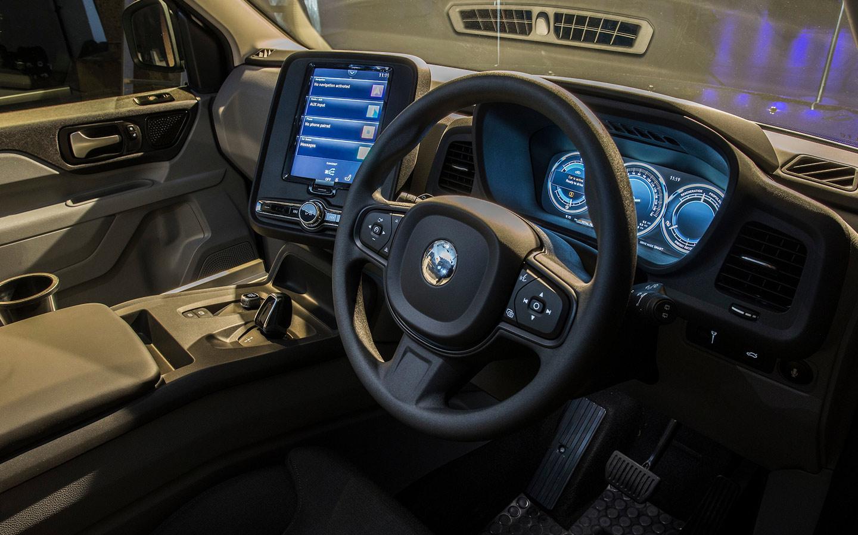 levc_TX_cab_cockpit